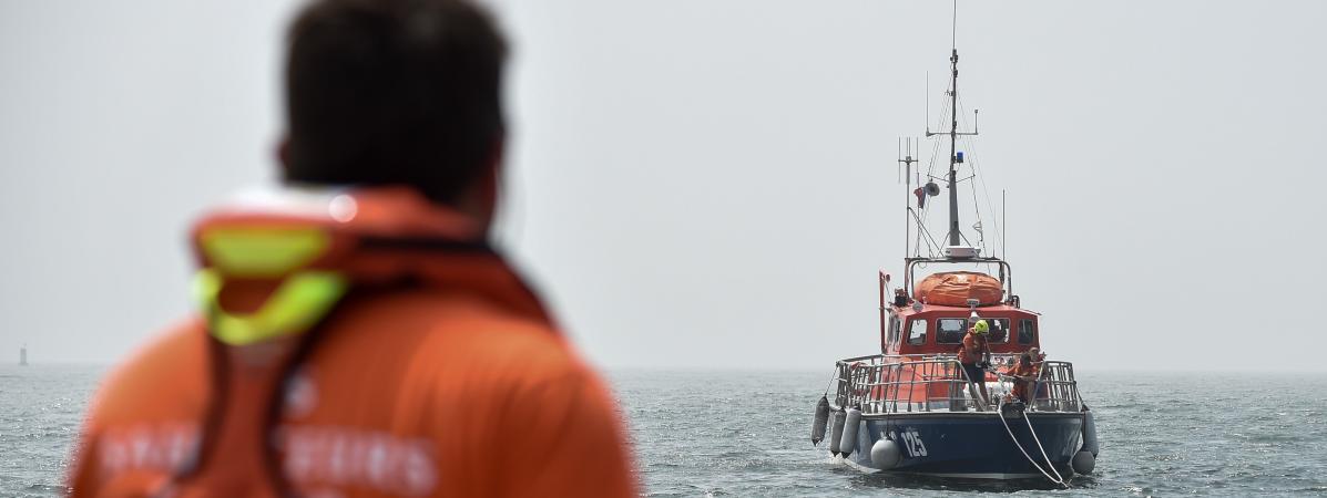 Ce que l'on sait du naufrage d'une vedette de plaisance dans la Manche, qui a provoqué la mort de trois enf...