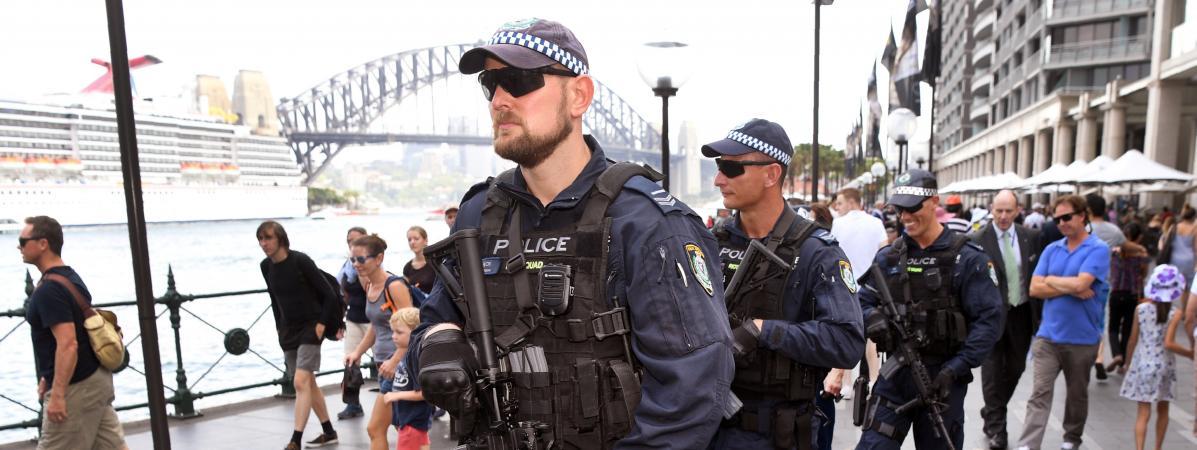 """Australie : une femme poignardée dans la rue à Sydney par un homme hurlant """"Allah akbar"""", le suspect interp..."""