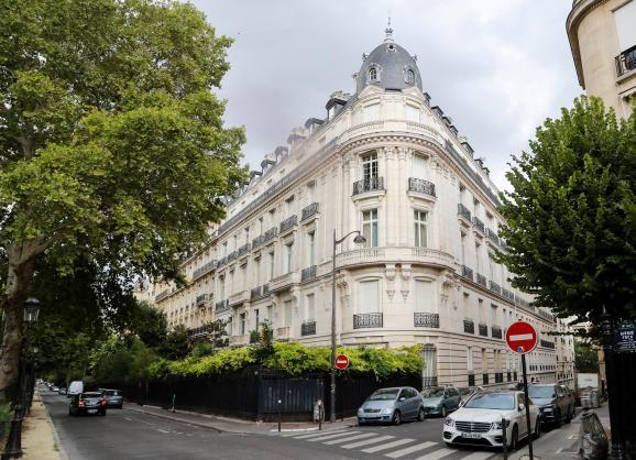 L\'immeuble dans lequel Jeffrey Epstein possède un appartement, le 12 août 2019 dans le 16e arrondissement de Paris.