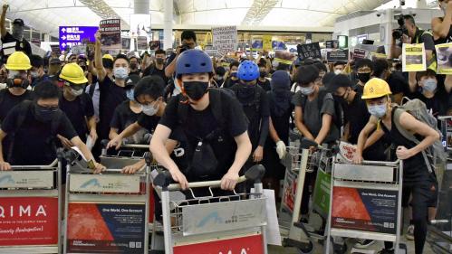 Age, milieu social, méthodes... Qui sont les manifestants qui défient le régime chinois à Hong Kong ?