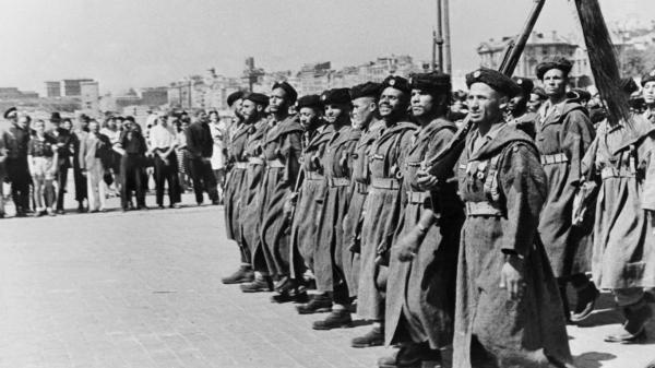 """Débarquement en Provence : """"L'hommage n'a jamais été rendu"""" aux soldats d'Afrique, dénonce un historien"""