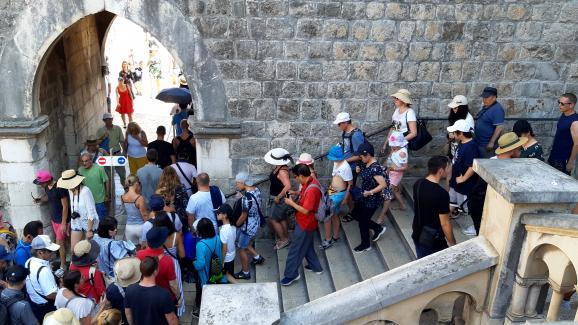 Pile Gate, une des entrées de la vieille ville de Dubrovnik, le 14 août 2019.