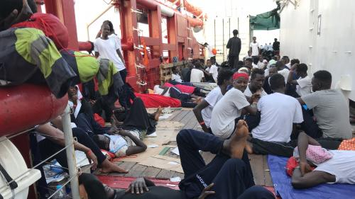 """""""Beaucoup de rescapés ont de graves séquelles"""" : des membres de l'équipage de """"l'Ocean Viking"""" témoignent"""