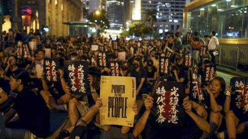 """""""Notre colère est inarrêtable maintenant"""": déterminés, les Hongkongais appellent les pays étrangers à adopter des sanctions contre les responsables du gouvernement"""