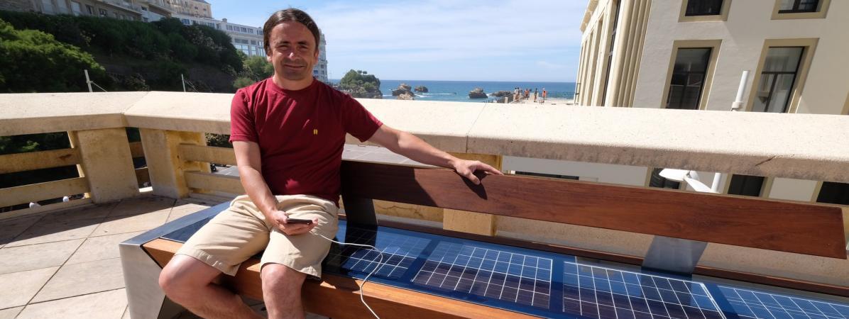 """A Biarritz, des bancs photovoltaïques à éviter """"aux heures les plus ensoleillées"""""""