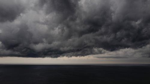 Douze départements en alerte orange aux orages, de la grêle dans l'est de la France
