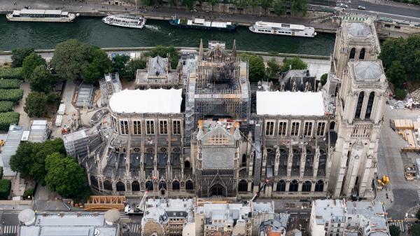 Notre-Dame : les risques d'effondrement ne sont pas écartés