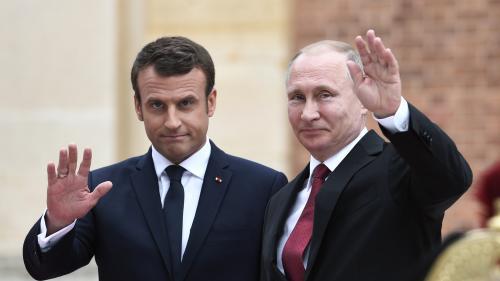 Emmanuel Macron reçoit Vladimir Poutine à Brégançon avant le sommet du G7