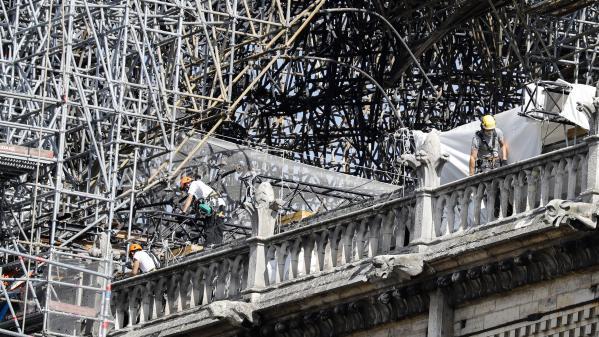 """Notre-Dame de Paris : """"La cathédrale fait l'objet d'un arrêté de péril"""", rappelle le préfet de Paris"""