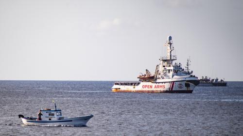 Open Arms : Madrid propose au navire d'accoster en Espagne et hausse le ton face à Matteo Salvini