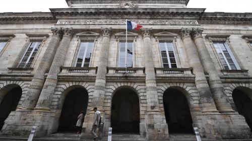 """Charente-Maritime : un médecin soupçonné de viols sur des mineurs, """"des choses absolument abominables"""" retrouvées chez lui"""