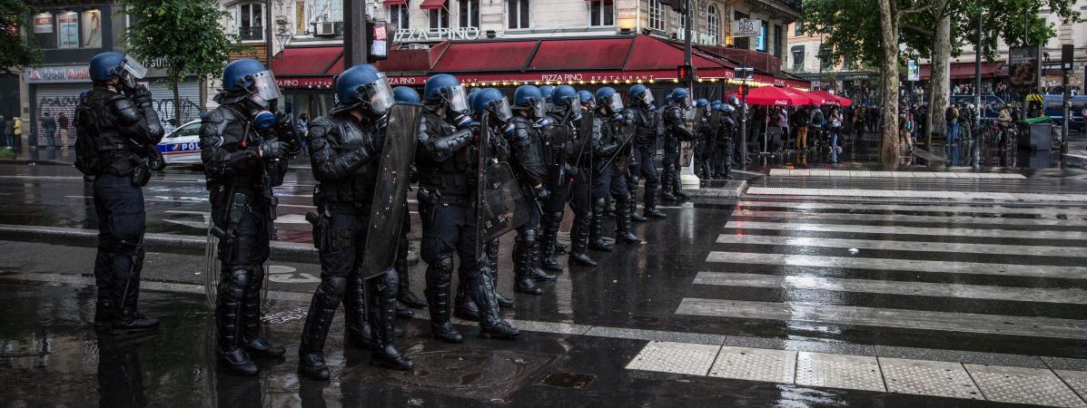 """Des CRS lors de la mobilisation des \""""gilets jaunes\"""" le 25 mai 2019."""