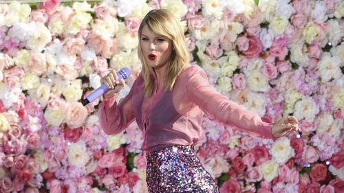 Francis Cabrel, Taylor Swift, Thom Yorke... Comme Jean-Jacques Goldman, ils ont fini par céder aux sirènes du streaming