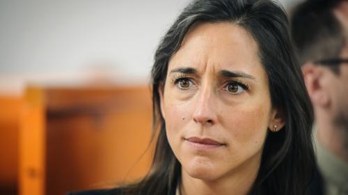 """VIDEO. Amazonie : interrogée sur Jair Bolsonaro, Brune Poirson espère que """"certains responsables"""" répondront de leurs actes """"devant un tribunal"""""""