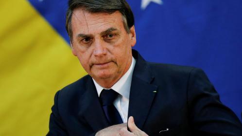 Scientifiques, politiques, associations... Jair Bolsonaro épinglé de toutes parts à cause des incendies en Amazonie