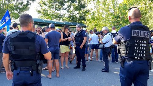 """""""On aurait pu l'appeler le contre-G7 de la colère policière"""": près de Biarritz, les forces de l'ordre se mobilisent face à lavague de suicides"""