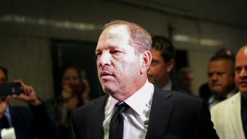 Avocats redoutables, agents du Mossad, accords secrets... Comment Harvey Weinstein se défend face à ses accusatrices