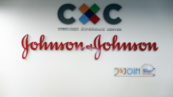 Crise des opiacés aux Etats-Unis : le groupe pharmaceutique Johnson & Johnson condamné à payer 572 millions de dollars à l'Oklahoma