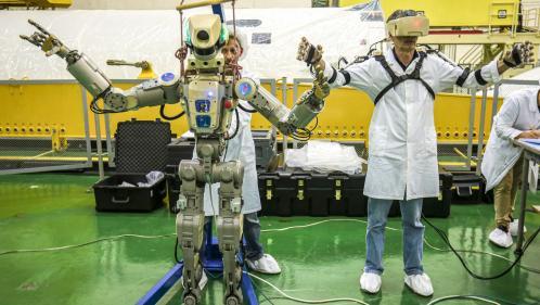 Après un premier échec, le vaisseau Soyouz transportant le robot russe Fedor s'est arrimé à l'ISS