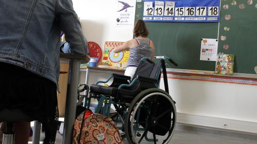 """""""Je ne vois aucune différence de mon côté"""": des familles dubitatives quant aux moyens promis pour scolariser les enfants handicapés"""