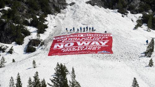 Action anti-migrants dans les Alpes : trois responsables de Génération identitaire condamnés à six mois de prison ferme