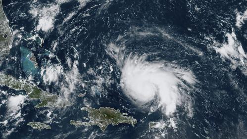 L'ouragan Dorian se renforce dans les Caraïbes et menace la Floride