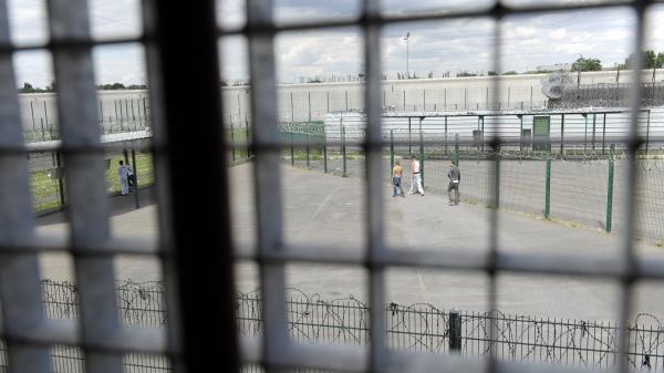 """""""C'est un peu la rentrée tous les deux ou trois mois"""" : comment l'école se pratique-t-elle en prison?"""