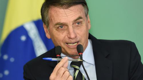 """Brésil : Bolsonaro veut bouder les stylos Bic, parce que c'est """"une marque française"""""""