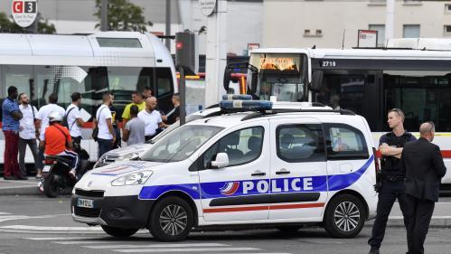 """Attaque au couteau à Villeurbanne : dans le drame, l'intervention des témoins est """"un coin de ciel bleu"""", réagit le maire"""