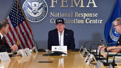 """Trump n'a """"jamais entendu parler d'ouragan de catégorie 5"""" alors qu'il y en a déjà eu trois durant son mandat"""
