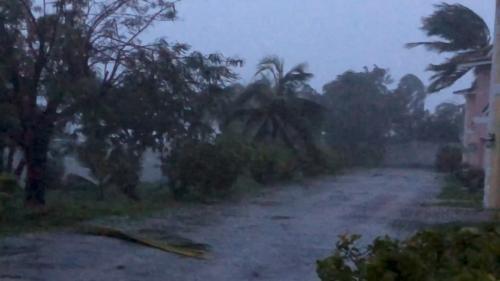 DIRECT. L'ouragan Dorian fait une première victime aux Bahamas, où les opérations de secours débutent