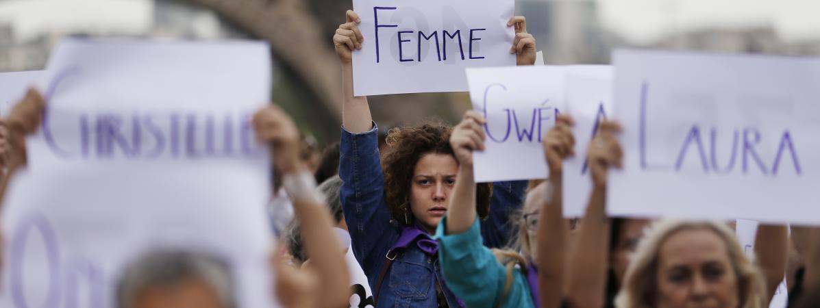 Des militantes du collectif #NousToutes, réunies le 1er septembre 2019 au Trocadéro, à Paris, pour dénoncer le 100e féminicide de l\'année.