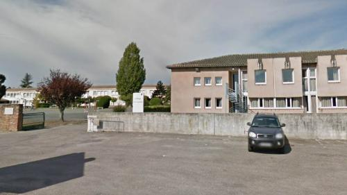 """""""J'adore jouer, j'adore gagner"""" : dans un collège du Lot-et-Garonne, l'internat de la section foot accueille enfin les filles"""