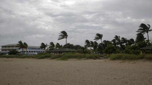 """Ouragan Dorian : cinq chiffres pour comprendre le potentiel dévastateur de ce """"monstre"""" atmosphérique"""