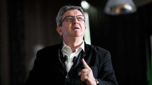 """RECIT. """"La République, c'est moi !"""" : retour sur la perquisition du siège de La France insoumise qui vaut un procès à Jean-Luc Mélenchon"""