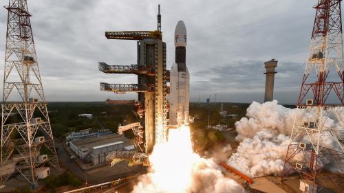 """""""Ce sera de toute façon un exploit technologique"""" : l'Inde va tenter de poser une sonde sur la Lune"""