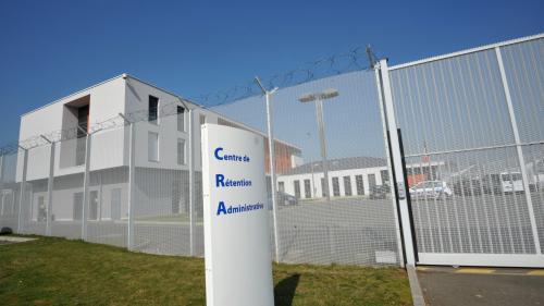 """Deux Afghans expulsés de France : deux ONG dénoncent une """"violation du droit international"""""""