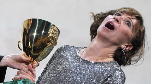 """Mostra de Venise: """"Je ne m'attendais pas à avoir ce prix"""", réagit l'actrice française Ariane Ascaride"""