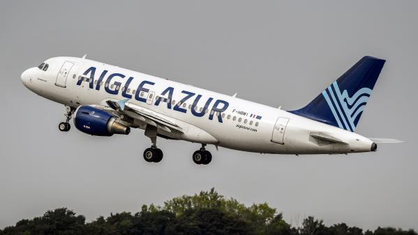 """Aigle Azur : trois offres de reprise """"sérieuses"""""""