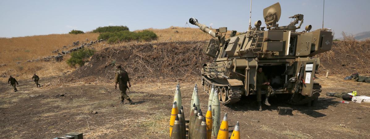 Des obus et un char israélien près de la frontière libanaise, à la périphérie deKiryat Shemona (Israël), le 1er septembre 2019.