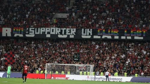Homophobie dans les stadesde foot : on vous résume la polémique autour des interruptions de matchs