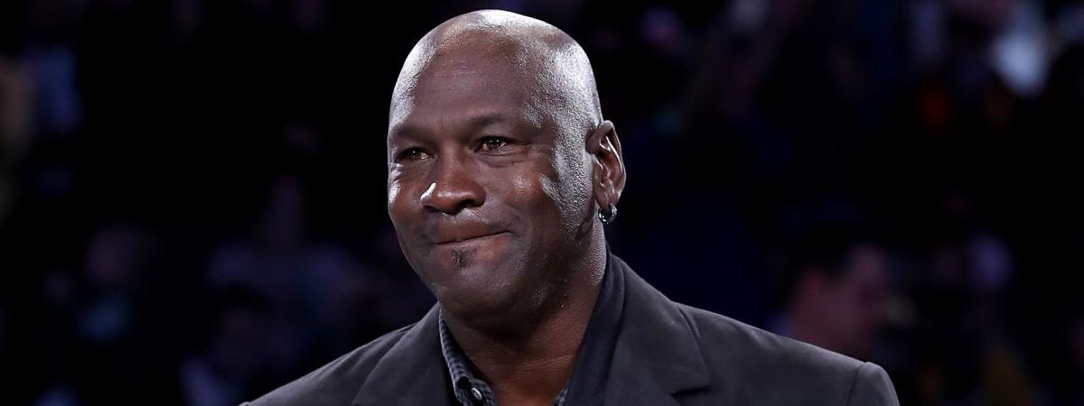 meilleur service 43ca4 ff530 Bahamas : le basketteur Michael Jordan donne un million de ...