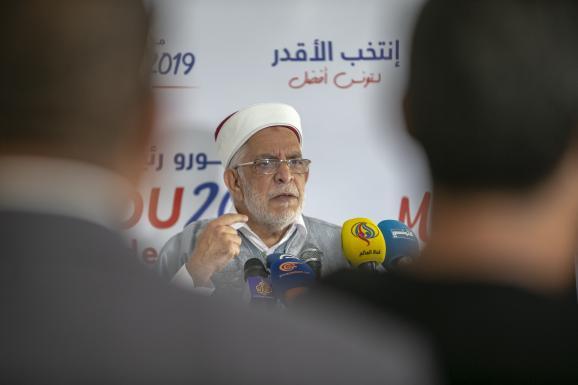 Le candidat d\'Ennahdha, Abdelfattah Mourou, lors d\'une conférence de presse à Tunis, le 9 septembre 2019