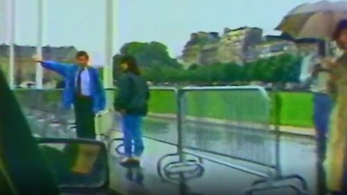 VIDEO. Vélo d'enfant, rollers, auto-stop... En 1986, les Parisiens improvisaient face à la grève des transports