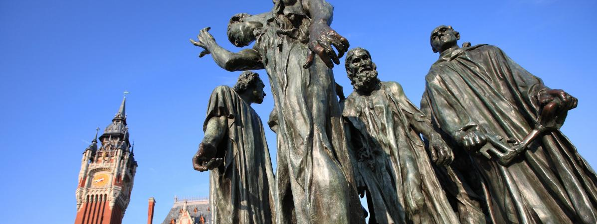"""La patiente et minutieuse restauration des """"Bourgeois de Calais"""" de Rodin"""