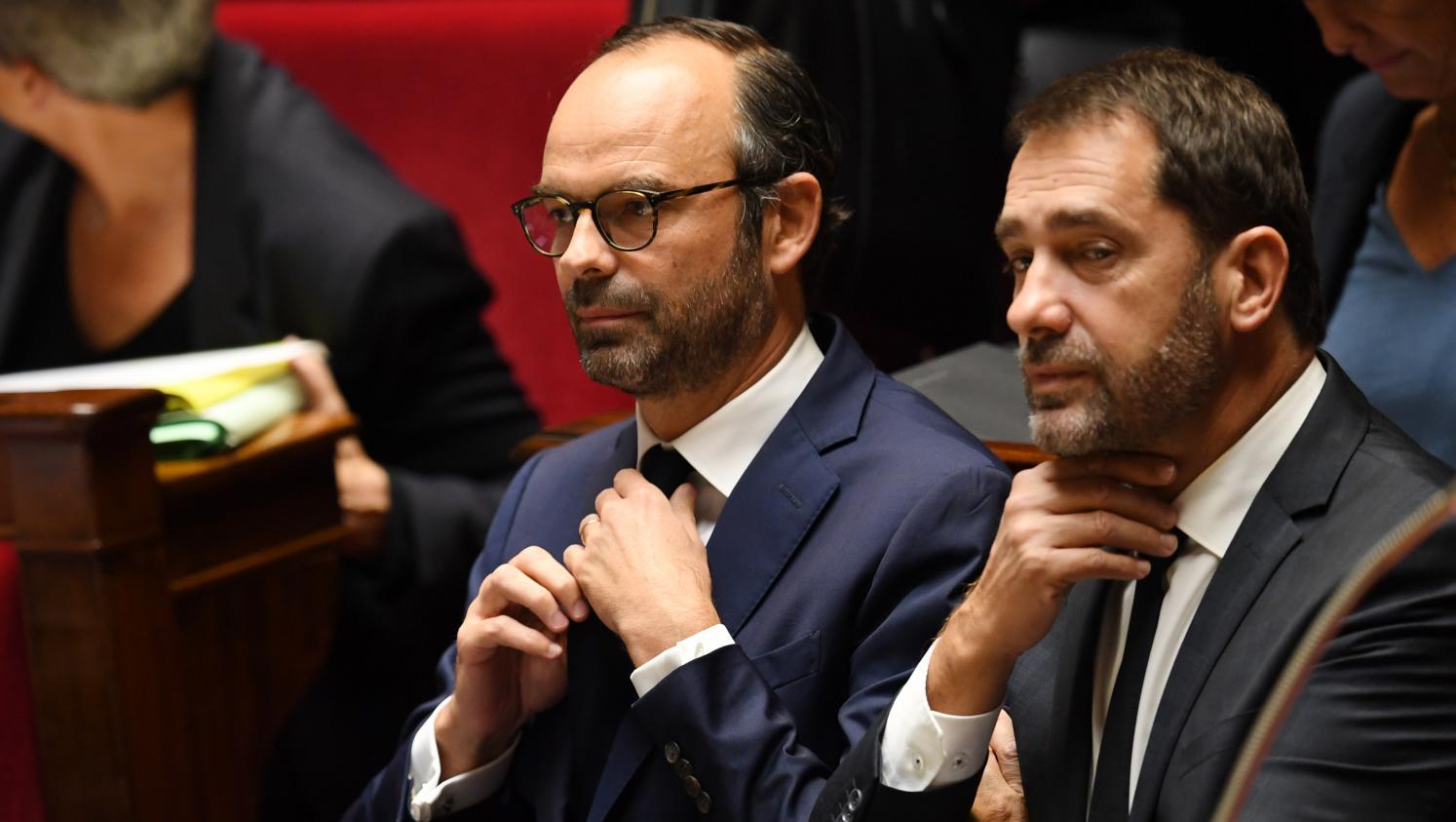 Débat sur la politique migratoire : grosses tensions à venir dans la majorité - Franceinfo