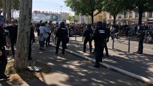 Manifestation sans heurt à Lyon pour la rentrée des gilets jaunes