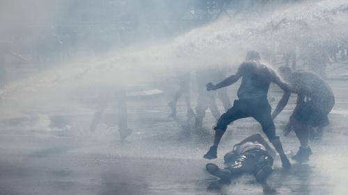 """VIDEO. """"Gilets jaunes"""" : à Nantes, 1 800 manifestants, 35 interpellations et des heurts pour le 44e samedi de mobilisation"""