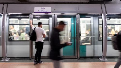 Avis aux noctambules parisiens : six lignes de métro et trois lignes de tramway resteront ouvertes toute la nuit