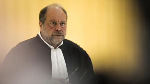 """Patrick Balkany en prison : Eric Dupond-Moretti espère, """"bien sûr"""", la libération de son client avant le délibéré du deuxième procès"""
